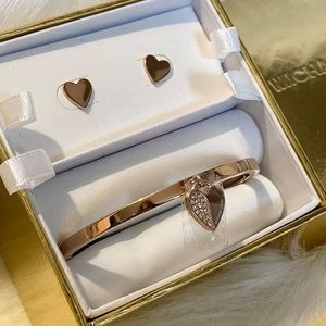 ROSE GOLD BANGLE with HEART SHAPE EARRINGS